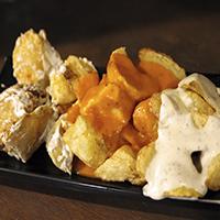 Patatas Alioli, Bravas y Queso Azul